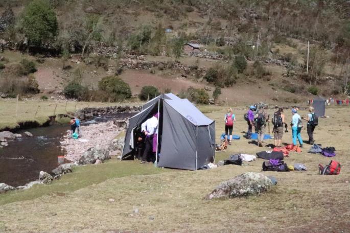 lares trek and tent